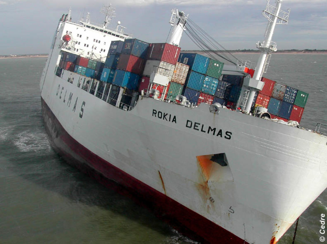 The container ship the Rokia Delmas grounded on 25/10/06 (Source: Cedre)