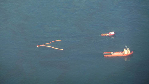 Recovery operation at sea by trawling