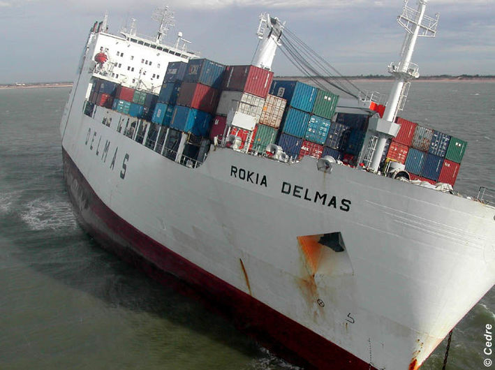 The container ship the Rokia Delmas grounded on 25/10/06
