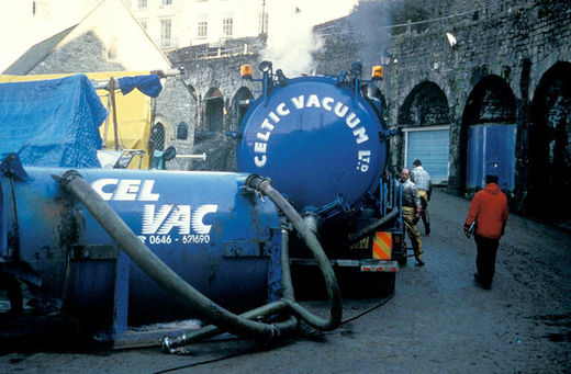 Pumping oil in Tenby Harbour