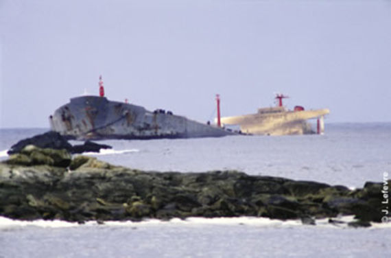 Wreck of the Amoco Cadiz at Portsall. Photo: J. Le Fevre