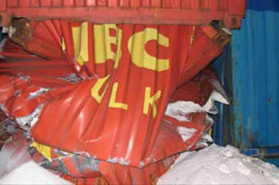 Etat du conteneur situé en bas de la pile (source : International Tank Container Organisation)