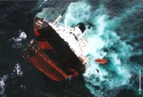 Naufrage de l'Erika (Source Marine nationale)